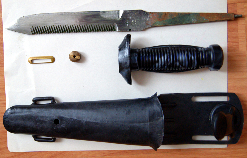 6574921 Нож водолазный универсальный (НВУ):