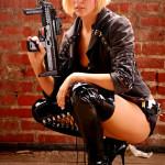 девушки с оружием12