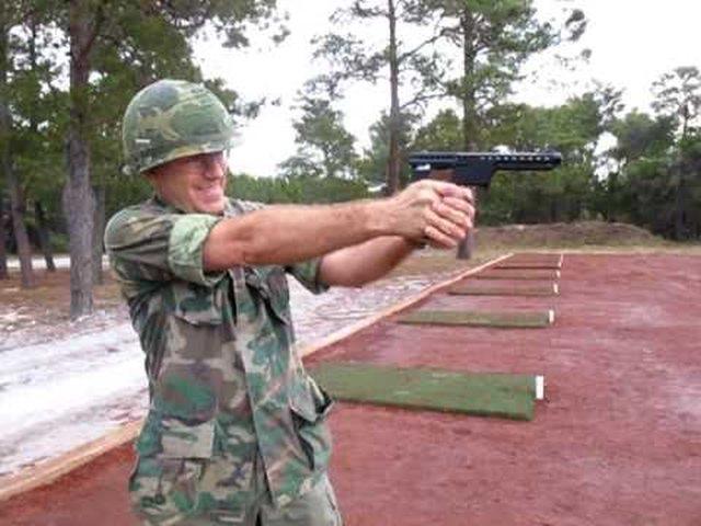 Ракетный пистолет Gyrojet MBA