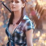 Девушка с луком