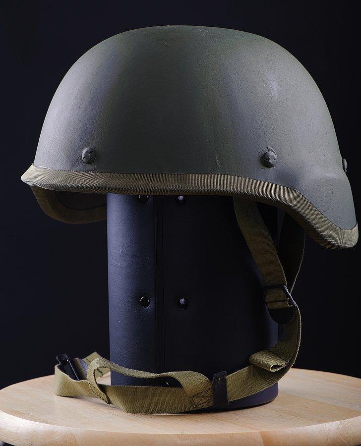 1929590