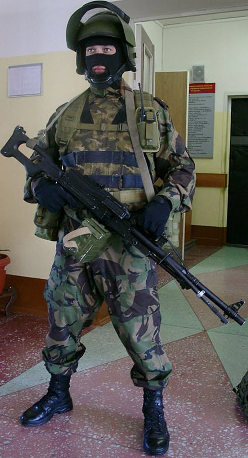 soldat-s-pechenegom-03