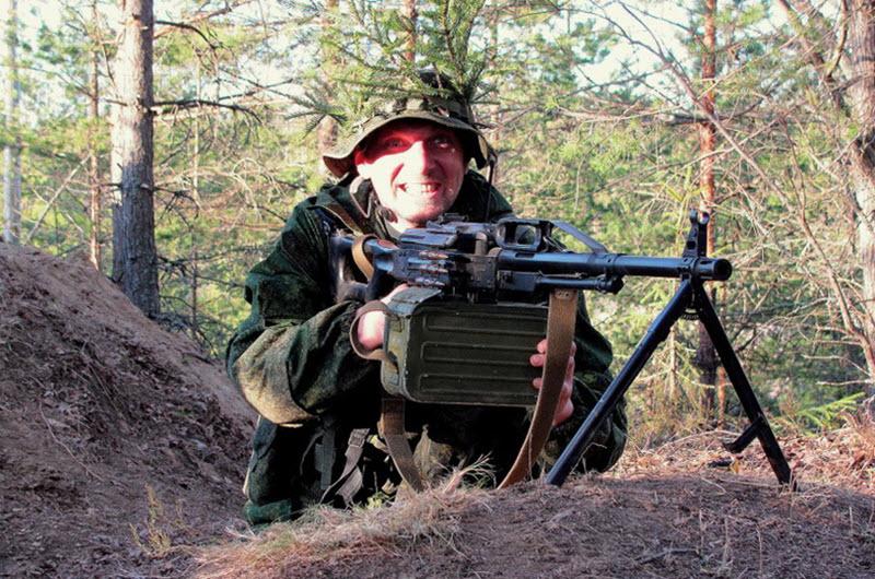 soldat-s-pechenegom-04